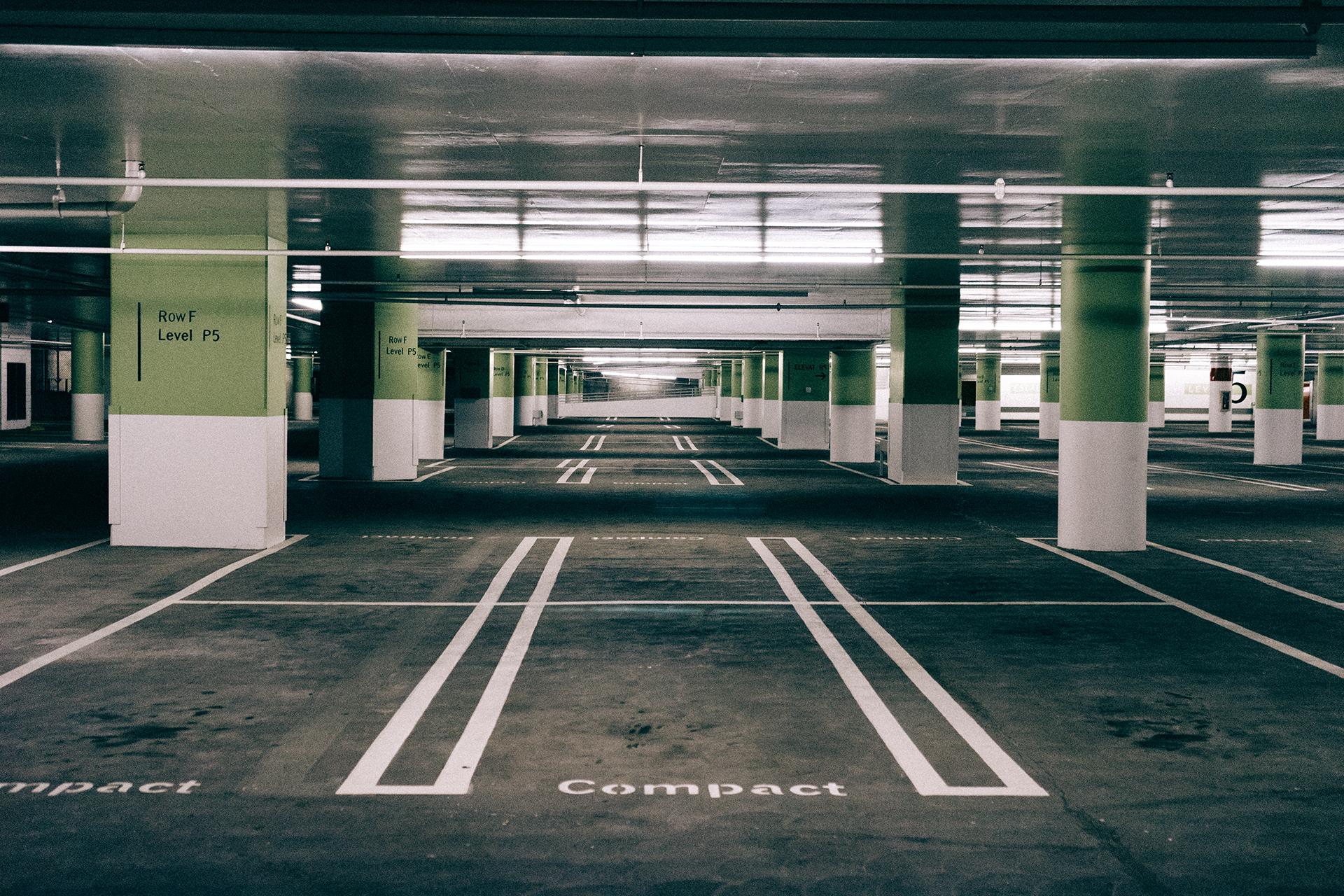 A repülőtéri parkolás árairól